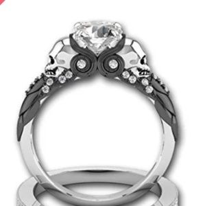 CUBIC ZIRCONIA SKULL ENGAGEMENT RING SIZE 9